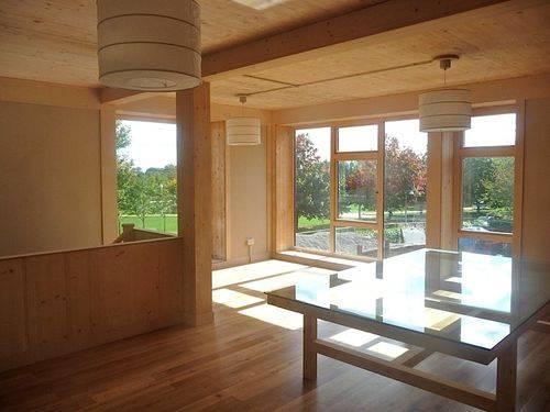 дом из соломы - интерьер