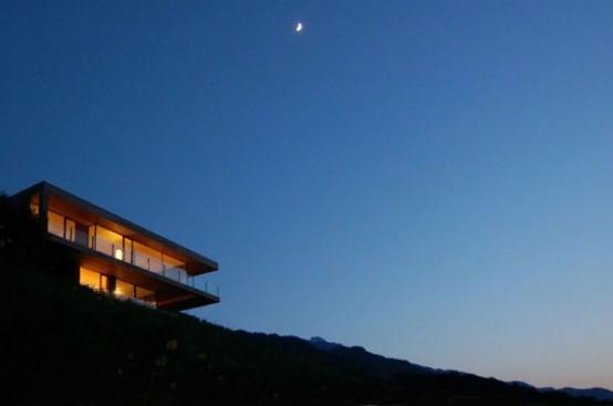Деревянный дом на берегу озера фото 8