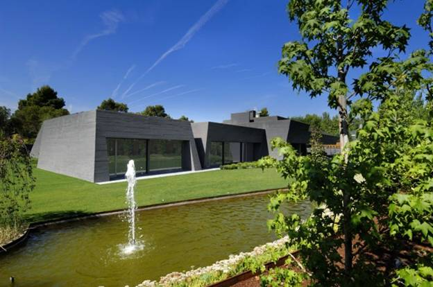 Дом из бетона «Concrete House II» по проекту A-cero Architects