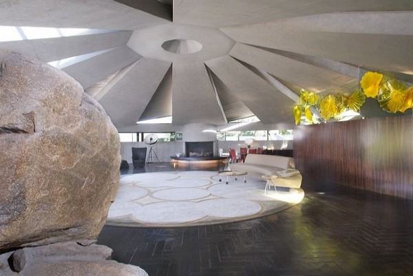 загородный сферический дом от Джона Лаутнера