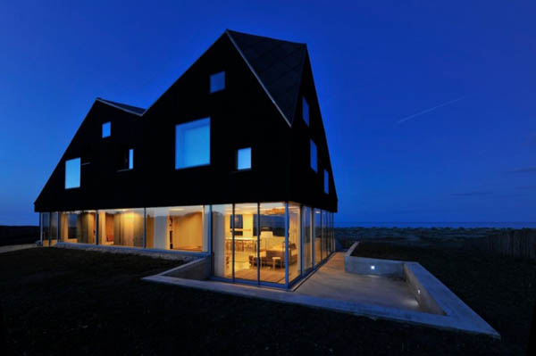 Прозрачный загородный дом в Англии