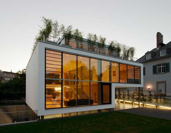 Шикарный четырехэтажный дом фото 1
