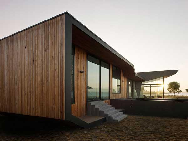 Стильный деревянный дом фото 7