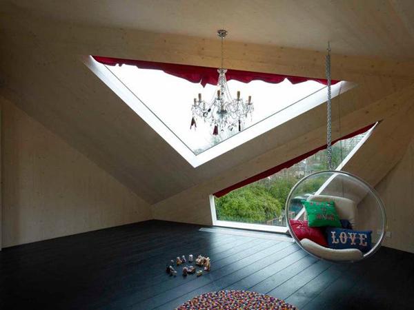 Дом с авангардными зенитными фонарями фото 3
