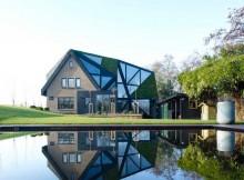 Дом с авангардными зенитными фонарями (7)