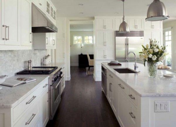 кухня в загородном доме фото 4