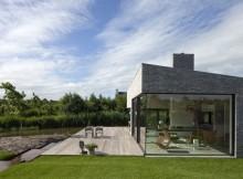 Северный дом со стеклянным фасадом  (7)