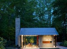 Дом со стеклянными стенами и органическим интерьером  (7)