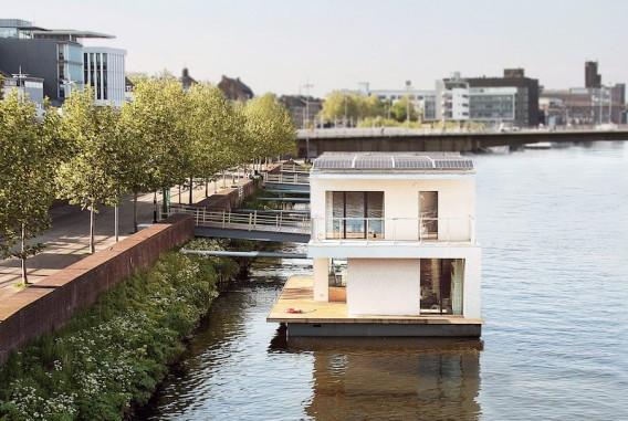 Плавающий дом по проекту Питера Кромвийка