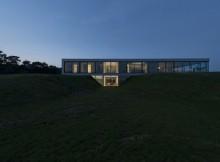 Загородный дом со остекленным фасадом (10)