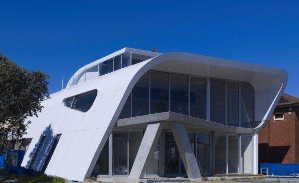 загородный дом «Лента Мебиуса» по проекту Tony Owen Partners