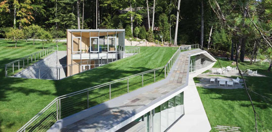 Павильон с бассейном по проекту Peter Gluck and Partners Architects