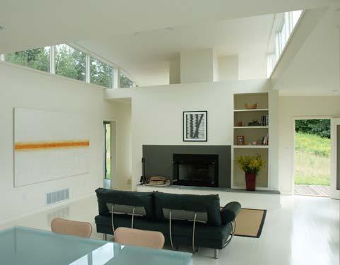 гостиная в коттедже в современном городском стиле по проекту Дэвида Джей Вайнера