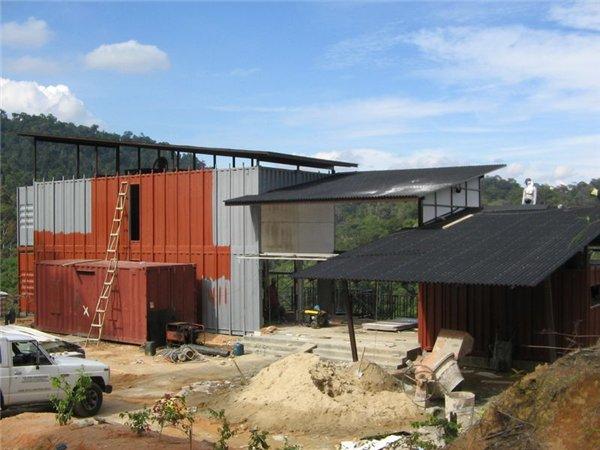 строительство дома из списанных контейнеров по проекту Anand Bungalow