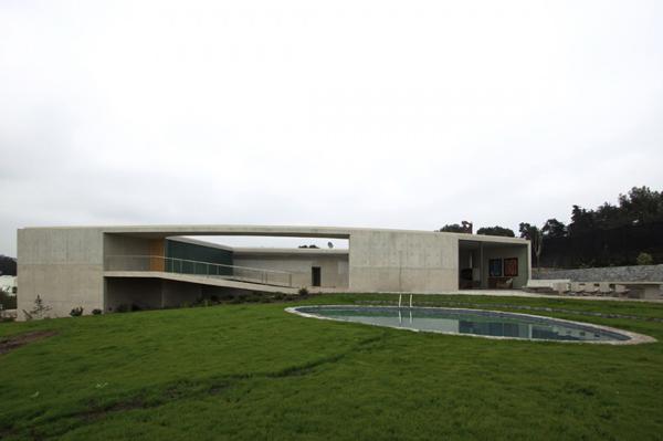 О-образный дом фото 2