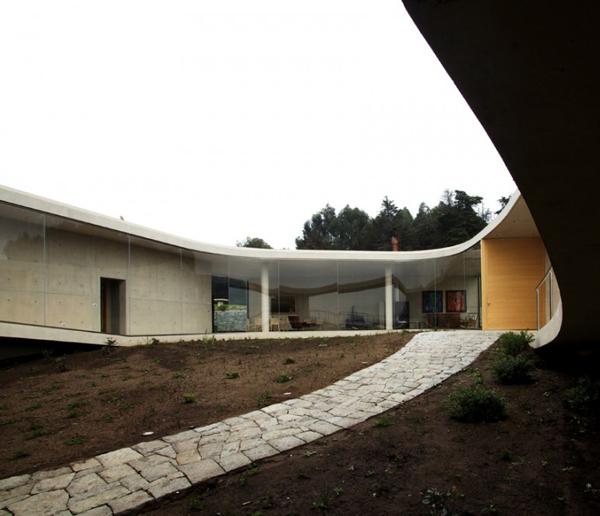 О-образный дом фото 7
