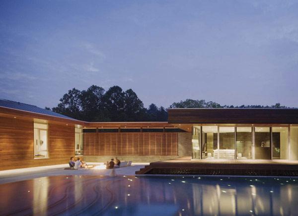 П-образный дом с большим внутренним двором