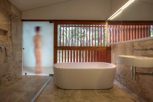 ванная в уединенном домике