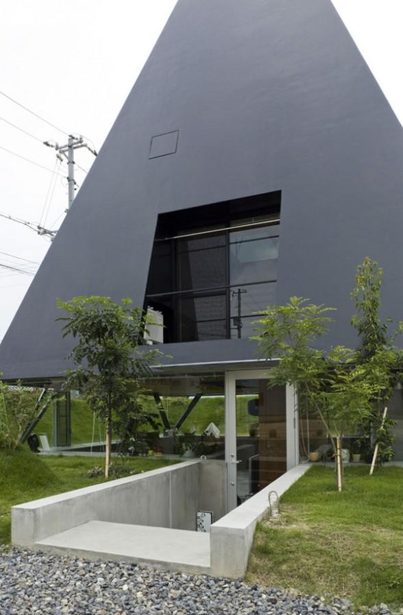 Дом в виде пирамиды