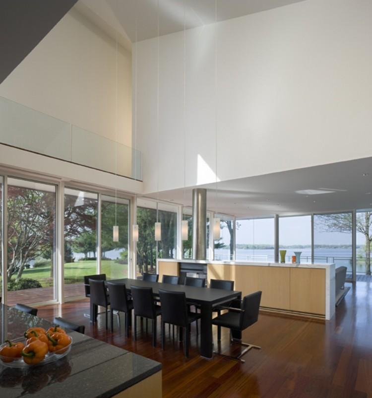 Светлый дом столовая