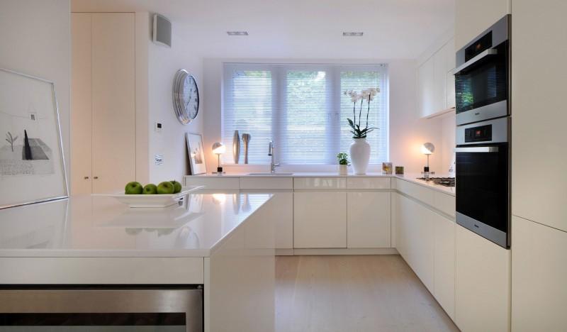 дом в английском стиле кухня