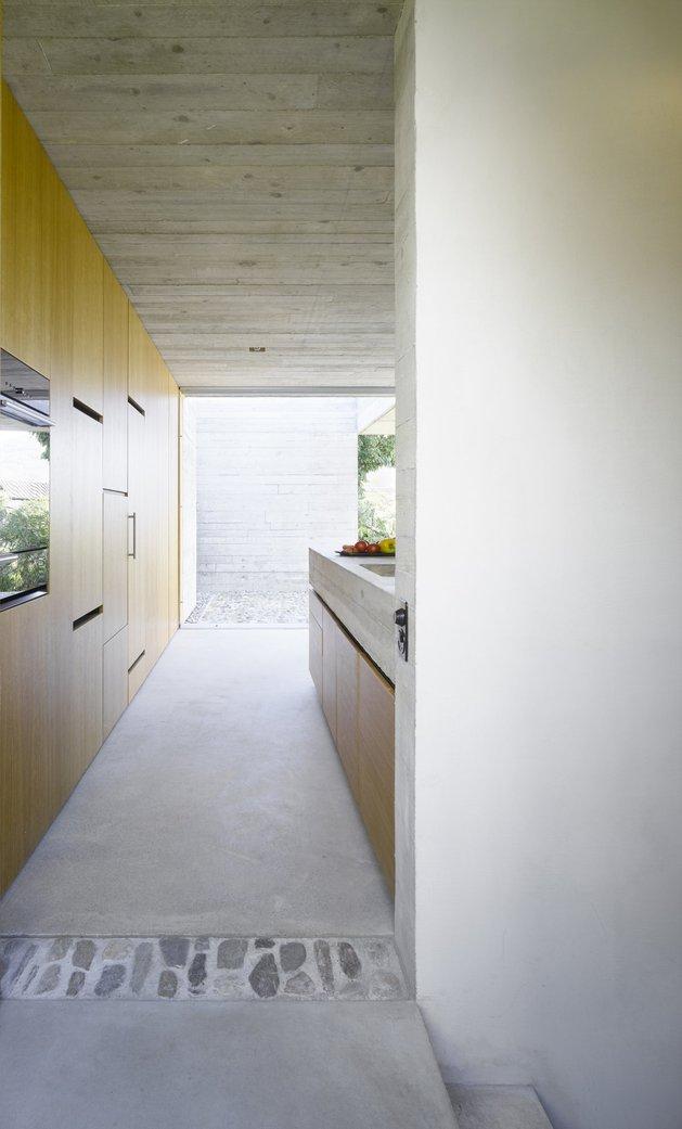 бетонный дом с террасой-11