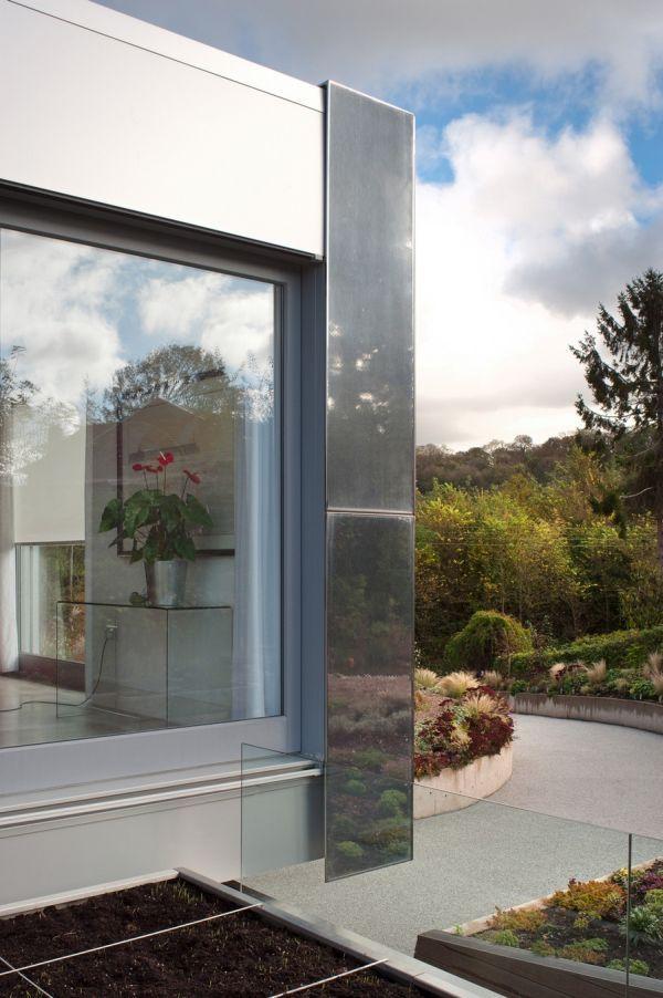 Дом 200 кв м - окно