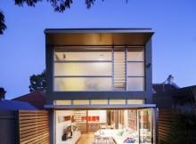 Перестройка дома с традиционными деталями (12)