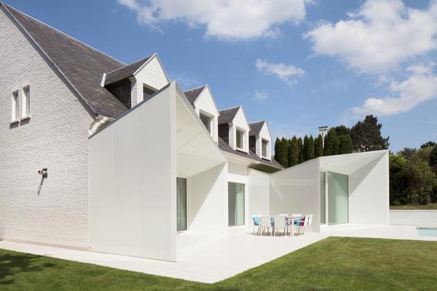 архитектура дома с мансардой