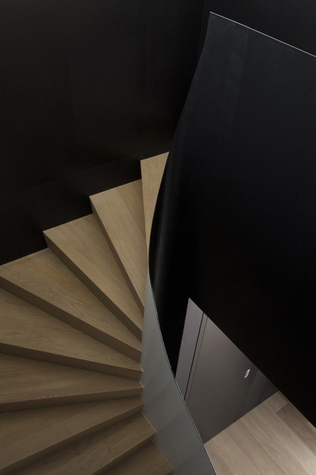 лестница в доме с мансардой