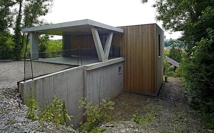 загородный дом на сложном участке