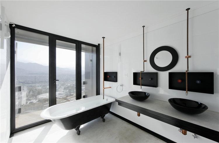 дом из металла фото ванной