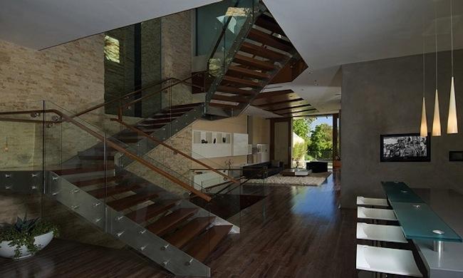 Роскошный особняк холостяка лестница