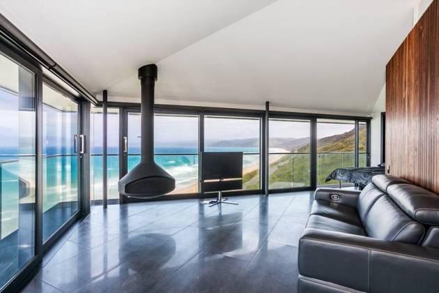 Частный дом с панорамным остеклением - фото 6