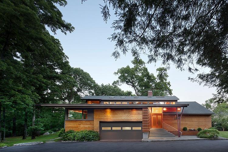 Экстерьер деревянного дома в стиле ранчо