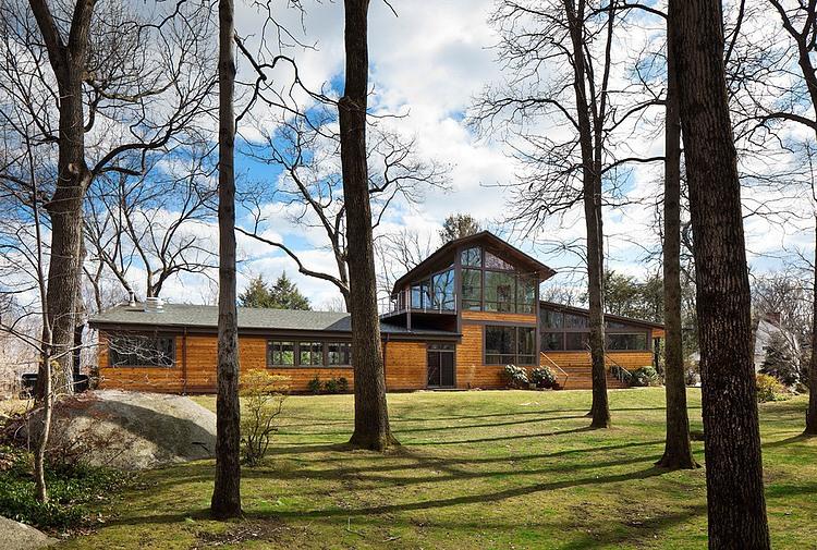 Дизайн деревянного дома в стиле ранчо