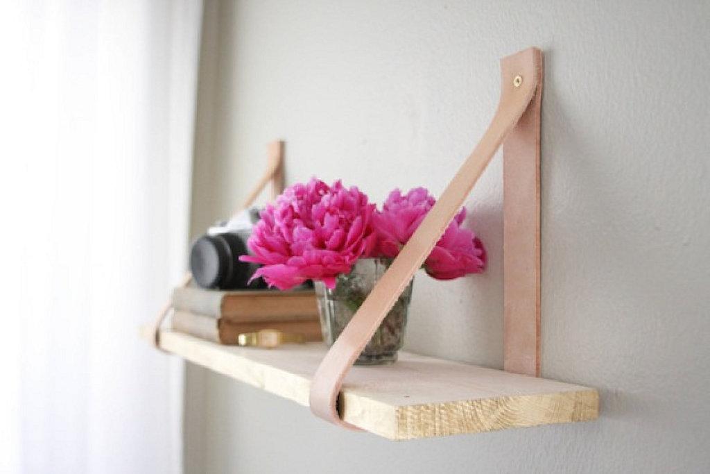 Полочки для цветов своими руками на стену из дерева фото