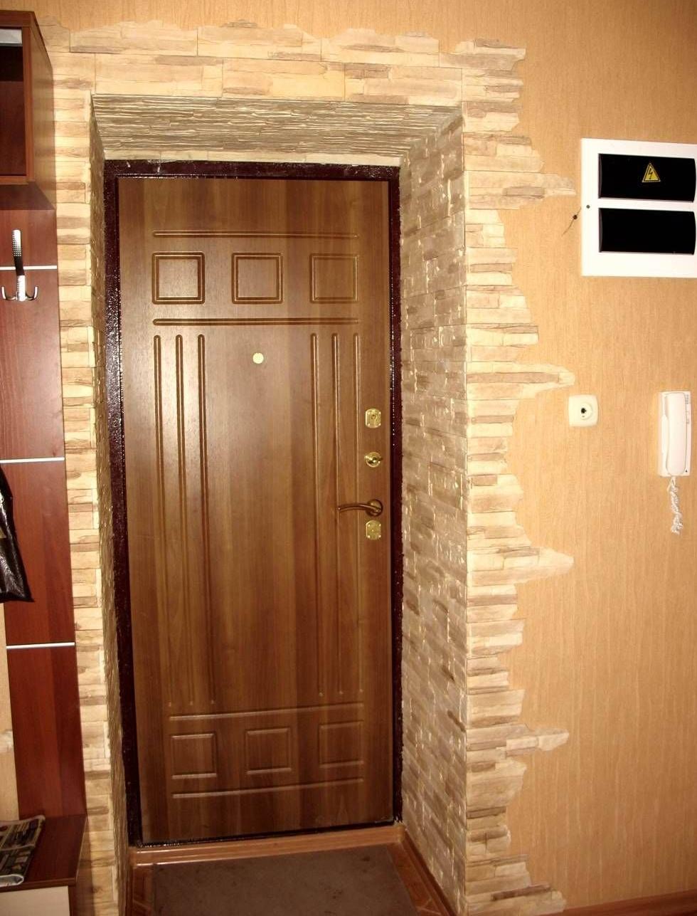 Дизайн вокруг двери