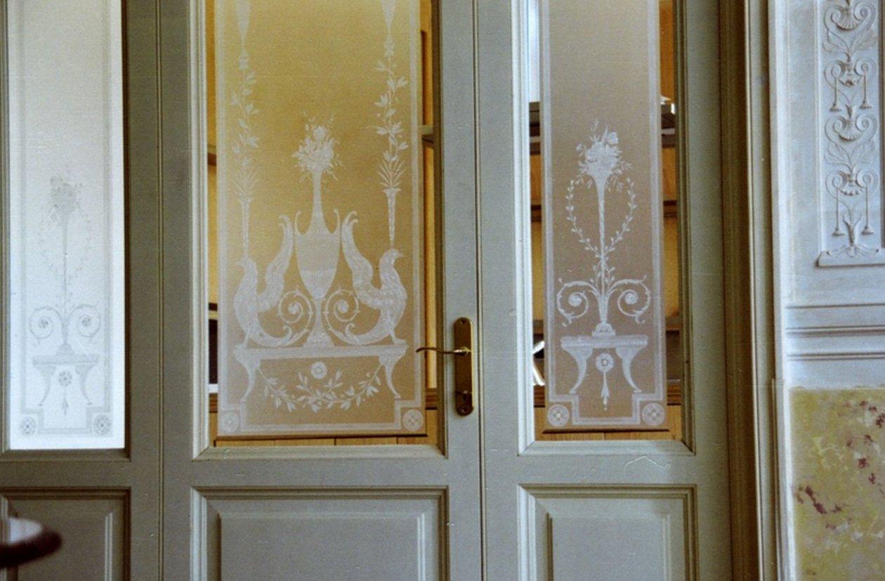 декор на двери своими руками
