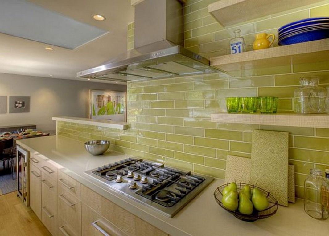 Отделка стен кухни плиткой фото