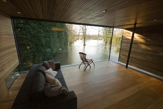 Дом у реки интерьер