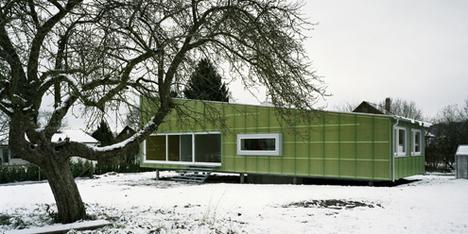 """Современный дом """"Stroh Haus"""""""