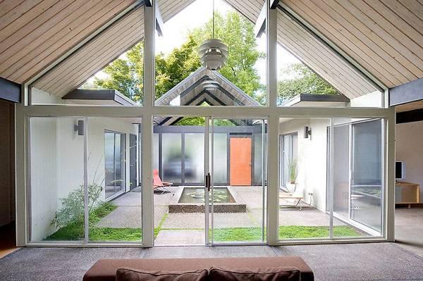Дизайн дома с внутренним двориком