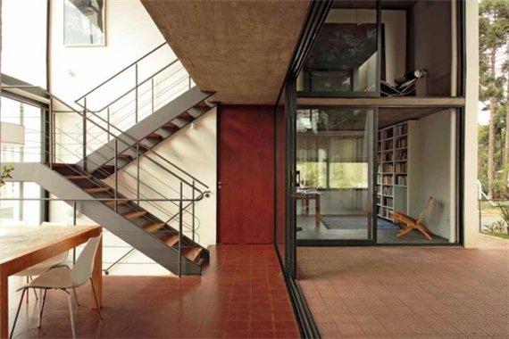 Белая вилла по проекту Una Arquitetos