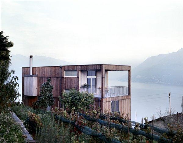 Монолитный дом Casa Larga