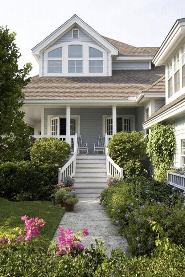 бело-голубой дом