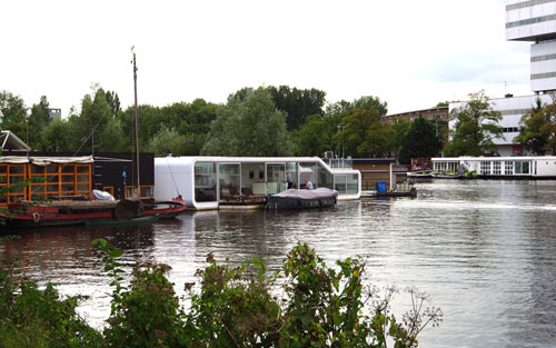 дома на воде: фото дома на Амстеле по проекту +31ARCHITECTS
