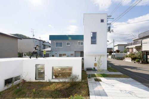 Дом стиле минимализм по проекту Hiroshi Kuno + Associates