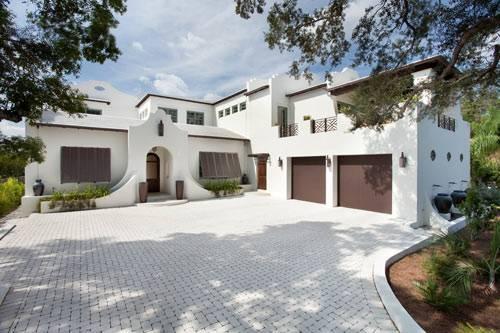 Большой дом на побережье во Флориде