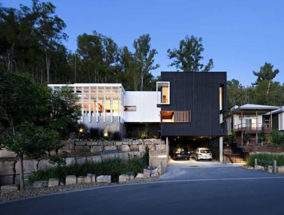 Черно-белый дом  по проекту Base Architecture